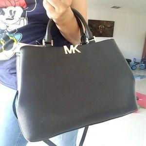 new$390 LARGE satchel AUTHENTIC  michael kors